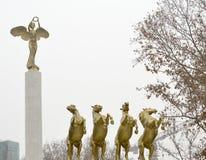 Monument von Helden in Skopje Mazedonien lizenzfreies stockfoto