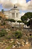 Monument von Vittorio Emanuele und von Roman Forum, Rom Stockbilder