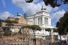 Monument von Vittorio Emanuele und von Roman Forum, Rom Stockfotografie