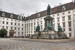 Monument voor KeizerPaleis, Wenen Stock Fotografie