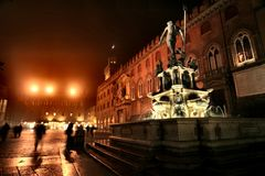 Monument With Water Fountain During Nighttime Royalty Free Stock Image