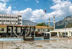 Monument zu Ataturk im Quadrat in Kemer, die Türkei stockbilder