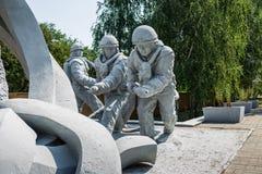 Monument zu den Liquidatoren der Konsequenzen des Unfalles des Atomkraftwerks Tschornobyls lizenzfreie stockbilder