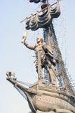 Monument zu Peter der Große, der auf einem Schiff steht Lizenzfreie Stockfotografie