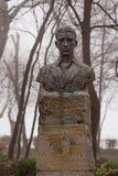 Monument zum Nationalhelden Atanas Manchev aufgestellt in der bulgarischen Stadt Burgas im Seegarten stockfotografie