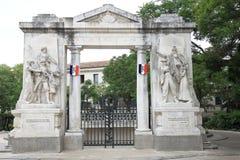 Monument Zusatz-Morts auf Französisch Nîmes lizenzfreie stockfotos