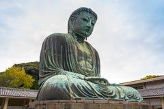 Monumentaal bronsstandbeeld van Grote Boedha Stock Foto
