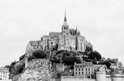 Monumental medeltida abbotskloster av Mont-Helgon-Michel i Normandie, Frankrike Royaltyfri Fotografi