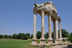 Monumental nyckel eller Tetrapylon, Afrodisias/Aphrodisias forntida stad, Turkiet royaltyfria foton