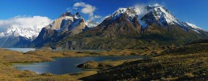 Monumental Torres del Paine image stock