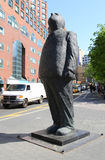 Monumentale Bronzeskulptur denken großes durch Jim Rennert in Union Square -Park, New York Stockfotos