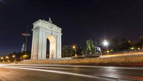Monumentaler Bogen Madrids Stockbilder
