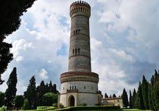 Monumentalt torn av San Martino della Battaglia arkivfoton