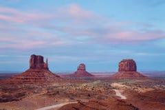 Monumentdal på solnedgången Royaltyfria Bilder