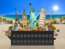 Monumenten van de wereld op een paneel van het luchthavenaanplakbord Royalty-vrije Stock Fotografie