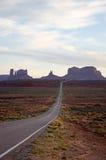 Monumentenvallei, weg die 163, Utah, zonneschijn gelijk maken Stock Afbeeldingen