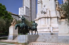 Monumentet av Cervantes i Madrid, Spanien Arkivbilder