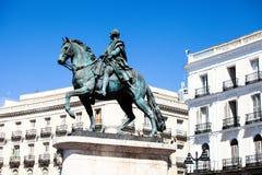 Monumentet av Charles III på Puerta del Sol i Madrid, Spanien Royaltyfri Fotografi
