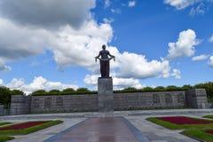 Monumentet av fäderneslandet Arkivbild