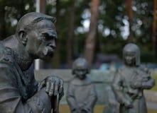 Monumentet av Jozef Pilsudski har lokaliserats i Sulejowek nära Warszawa A arkivfoto
