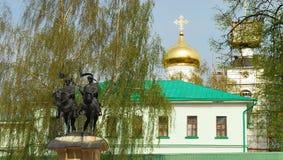 Monumentet till de heliga ryska princesna Boris och Gleb Royaltyfria Foton