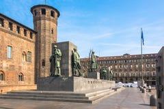 Monumentet till Emanuele Filiberto Duke av savojkål i Turin, Italien Royaltyfria Foton
