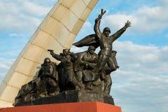monumentet tjäna som soldat sovjet till royaltyfri foto