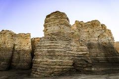 Monumentet vaggar kritapyramider Arkivbilder