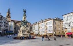 Monumento à batalha de Vitoria no quadrado de Virgen imagem de stock