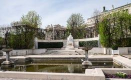 Monumento à imperatriz Elisabeth no parque Volksgarten, Viena, Áustria foto de stock royalty free