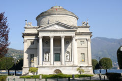 Monumento ad Alessandro Volta a Como sull'Italia Fotografia Stock Libera da Diritti