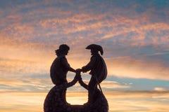 Monumento agli indiani ed al francese sulla riva del lago Fotografia Stock