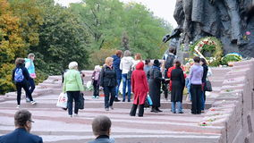 Monumento ai cittadini ed ai prigionieri sovietici, Babi Yar a Kiev, Ucraina, archivi video