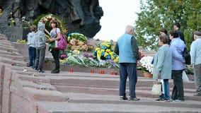 Monumento ai cittadini ed ai prigionieri sovietici, Babi Yar a Kiev, Ucraina, stock footage