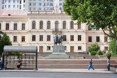 Monumento Akaki Tsereteli e Ilia Chavchavadze a Tbilisi Il Repubblica Georgiana fotografia stock