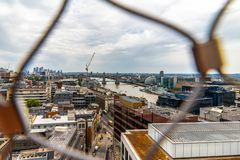 Monumento al gran fuego de las opiniones de Londres en Reino Unido foto de archivo libre de regalías