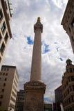 Monumento al gran fuego de Londres Imagenes de archivo