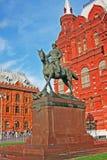 Monumento al maresciallo Zhukov nel quadrato di Manezh Mosca, Russia fotografia stock