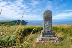 Monumento al poeta Dewi Emrys en Pwll Deri, País de Gales imágenes de archivo libres de regalías
