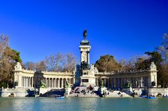Monumento Alfonso ΧΙΙ στο πάρκο EL Retiro, Μαδρίτη Στοκ φωτογραφία με δικαίωμα ελεύθερης χρήσης