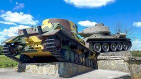 Monumento alla battaglia del passaggio di Dukel fotografie stock