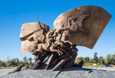 Monumento alla prima guerra mondiale di eroi in Victory Park con collina di Poklonnaya, Mosca, Russia Fotografia Stock