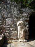 Monumento antiguo sin cabeza Imágenes de archivo libres de regalías