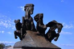 Monumento ao carro legendário do cossaco, simbolizando a vitória na luta contra os invasores fotografia de stock royalty free