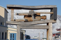 Monumento ao mineiro Showplace em Longyearbyen, Spitsbergen (Svalb fotografia de stock