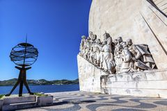 Monumento ao porto de Tagus River Belém Lisboa dos exploradores de Diiscoveries imagem de stock royalty free