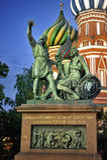 Monumento ao quadrado vermelho Mosco de Minin e de Pozharsky fotografia de stock