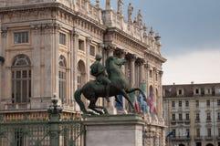 Monumento aos cavaleiros de Itália na praça Castello, Turin, Itália, imagem de stock royalty free