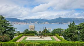 Monumento aos galeões de aos Galeons de Rande de Rande Monumento em Vigo, Galiza, Espanha do norte fotografia de stock