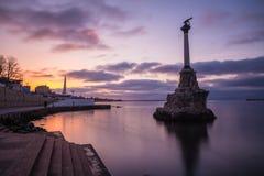 Monumento aos navios de guerra andados rapidamente em Sevastopol fotos de stock royalty free